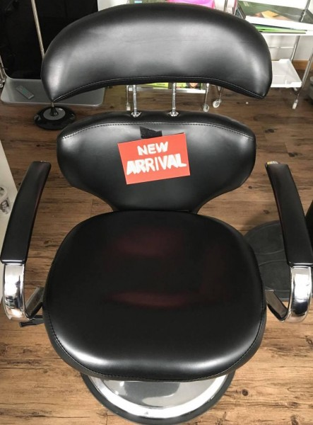 BCO6- Styling Chair Adjustable Black round